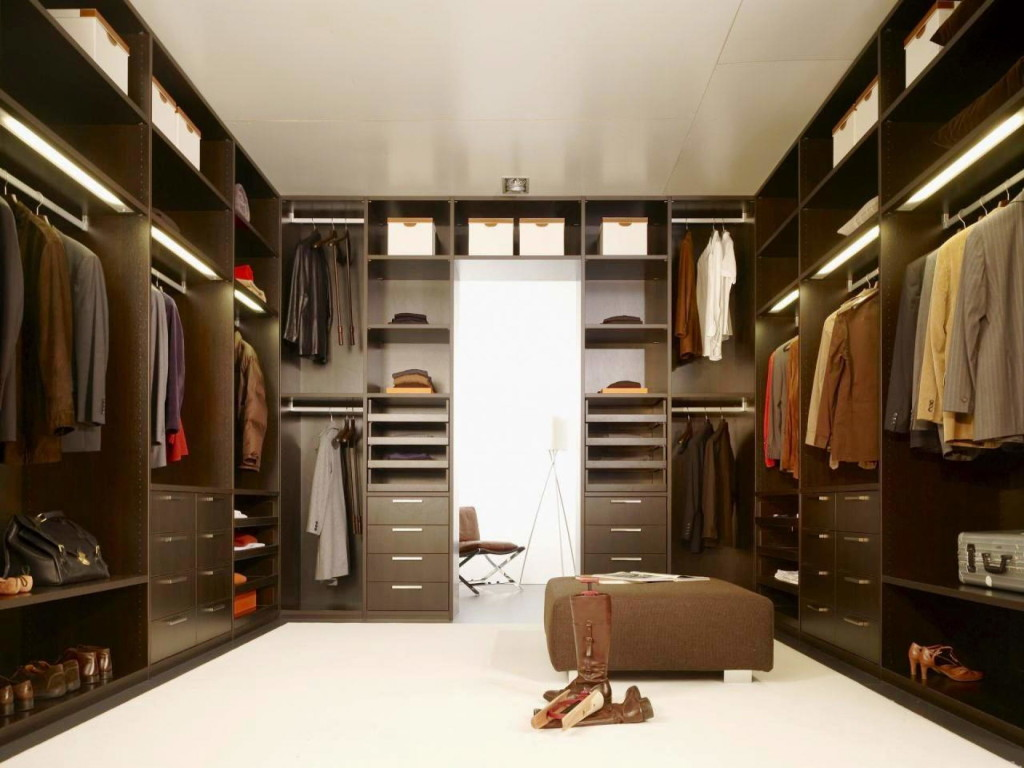 Large Closet And Special Hangers